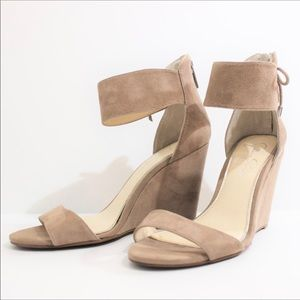 JESSICA SIMPSON Soft Suede Wedge Sandal Taupe Nude
